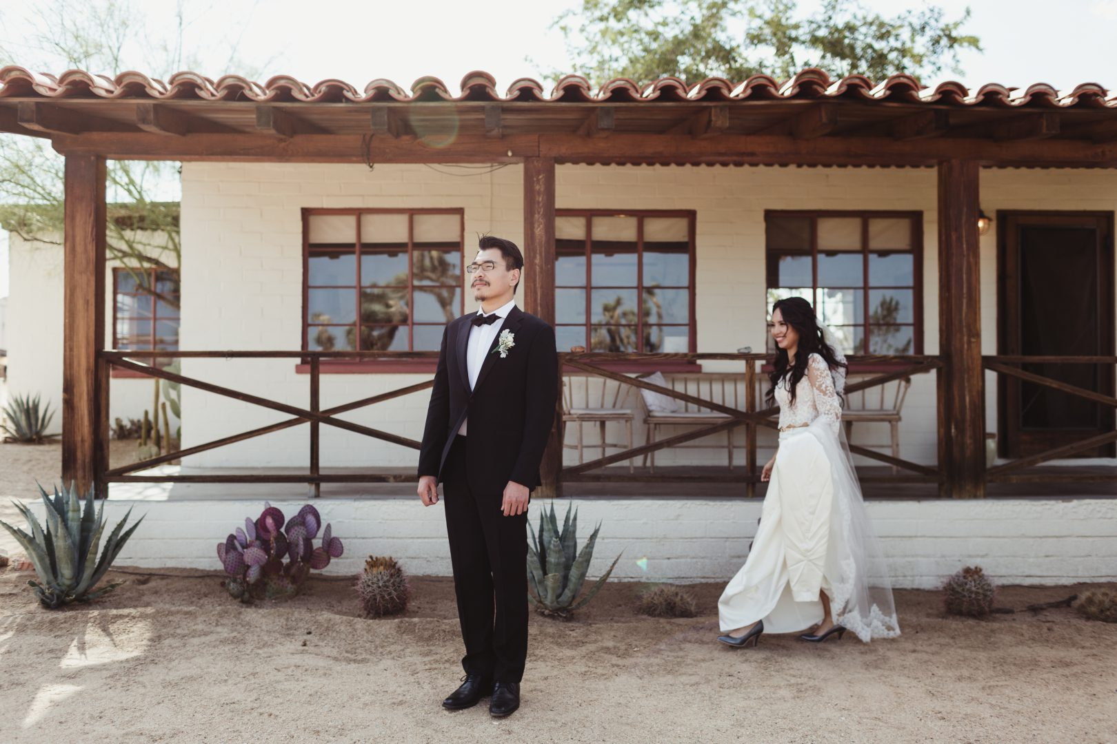 joshua tree elopement photographer at the joshua tree house